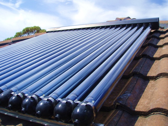 apricus solar hot water close up on roof